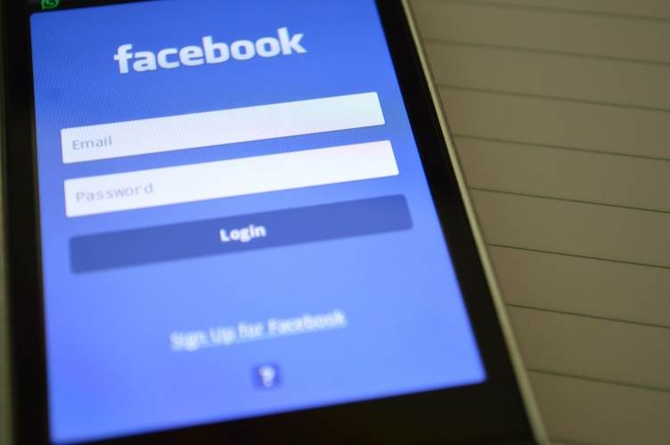 About 600 Millions Of Facebook Passwords Exposed Internally